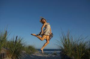 1063895_female_on_the_beach