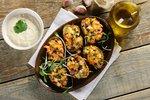 Łódeczki z cukinią, wędzonym łososiem i ostrym sosem czosnkowym2 - Kopia.JPG