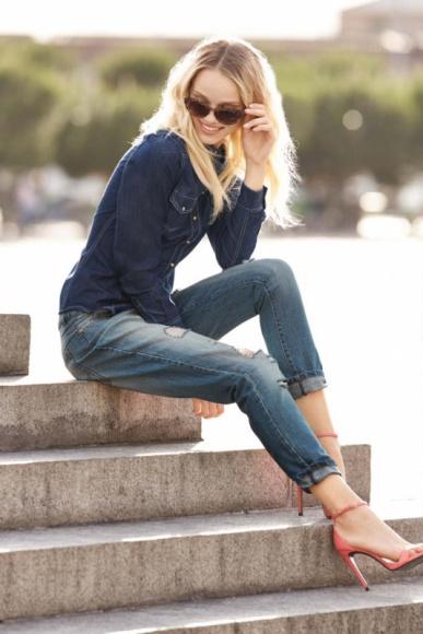 JEANS OD STÓP DO GŁÓW – NOWA KOLEKCJA WE LOVE DENIM W LIDLU LIFESTYLE, Moda - W dzisiejszych czasach trudno znaleźć osobę, która nie ma choćby jednej pary jeansów w swojej garderobie. Bez względu na obowiązujące trendy, zawsze modne i wygodne ubrania jeansowe pozwalają na swobodę łączenia ich z innymi materiałami.