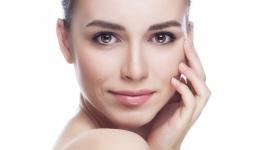 Piękno masz we krwi! LIFESTYLE, Uroda - Odmładzające terapie z osoczem bogatopłytkowym to doskonałe rozwiązanie dla osób, które stawiają na naturalne metody w medycynie estetycznej.