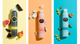 Wakacje bez efektu drugiego dnia –HASK DRY SHAMPOOS LIFESTYLE, Uroda - ARGAN DRY SHAMPOO Olej arganowy z Marocco, CHARCOAL DRY SHAMPOO Oczyszczający węgiel drzewny Citrus Oil i COCONUT DRY SHAMPOO Olej kokosowy Monoi, to wyjątkowo przydatne kosmetyki zarówno w podróży jak i na co dzień.